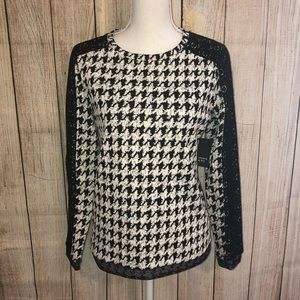 NWT Crown & Ivy Houndstooth and Lace Blouse Small
